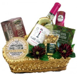 "Middle Sister ""Smarty Pants"" Wine Basket"